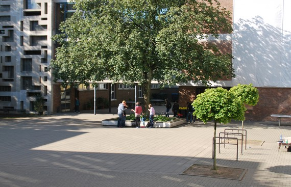 Gymnasium-Bayreuther-Straße,-Wuppertal_2